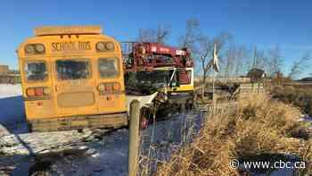 Smoky Lake mayor thanks 'heroes' at scene of school bus crash