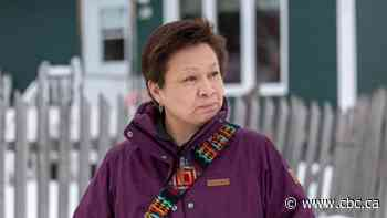 Atikamekw woman, arrested after her car ran out of gas, files complaint against police