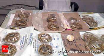 6 hide Rs 4cr gold in trolley bag lining, held