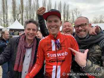 Supportersclub van Nederlandse wielrenner Cees Bol viert eerste fandag met 'keesbollen'