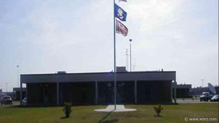 Asylum seekers protest at ICE jail in Louisiana