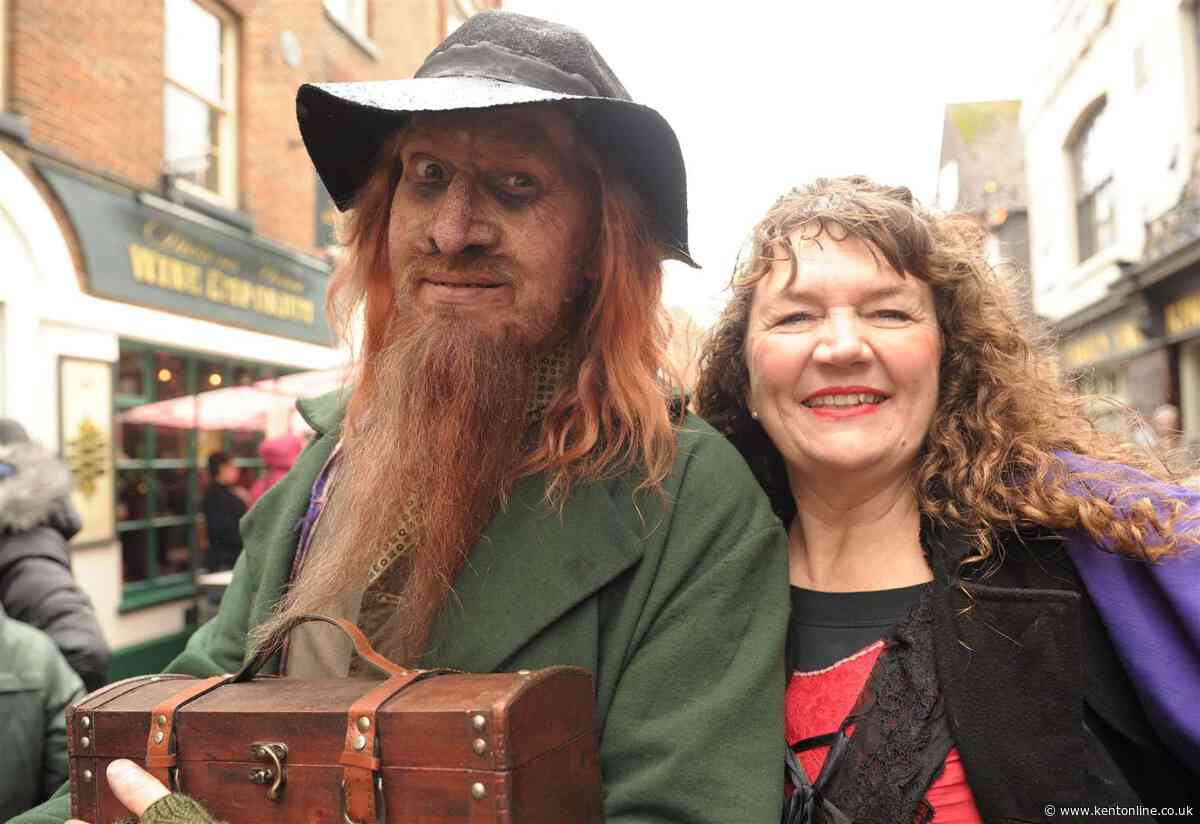 A Dickensian Christmas takes to the streets