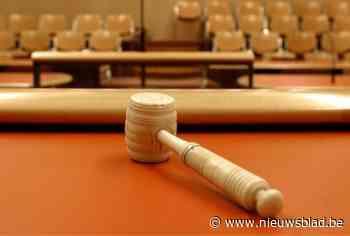 """Broers vechten hetze uit op rechtbank: """"Hij dropte asbest op ouderlijke huis en stal 140.00 euro van onze moeder"""""""
