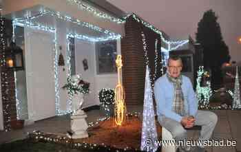 """Eddy verlicht huis met 15.000 ledlichtjes, """"maar ik moet wel de vinger op de knip houden om de lampjes te kunnen betalen"""""""