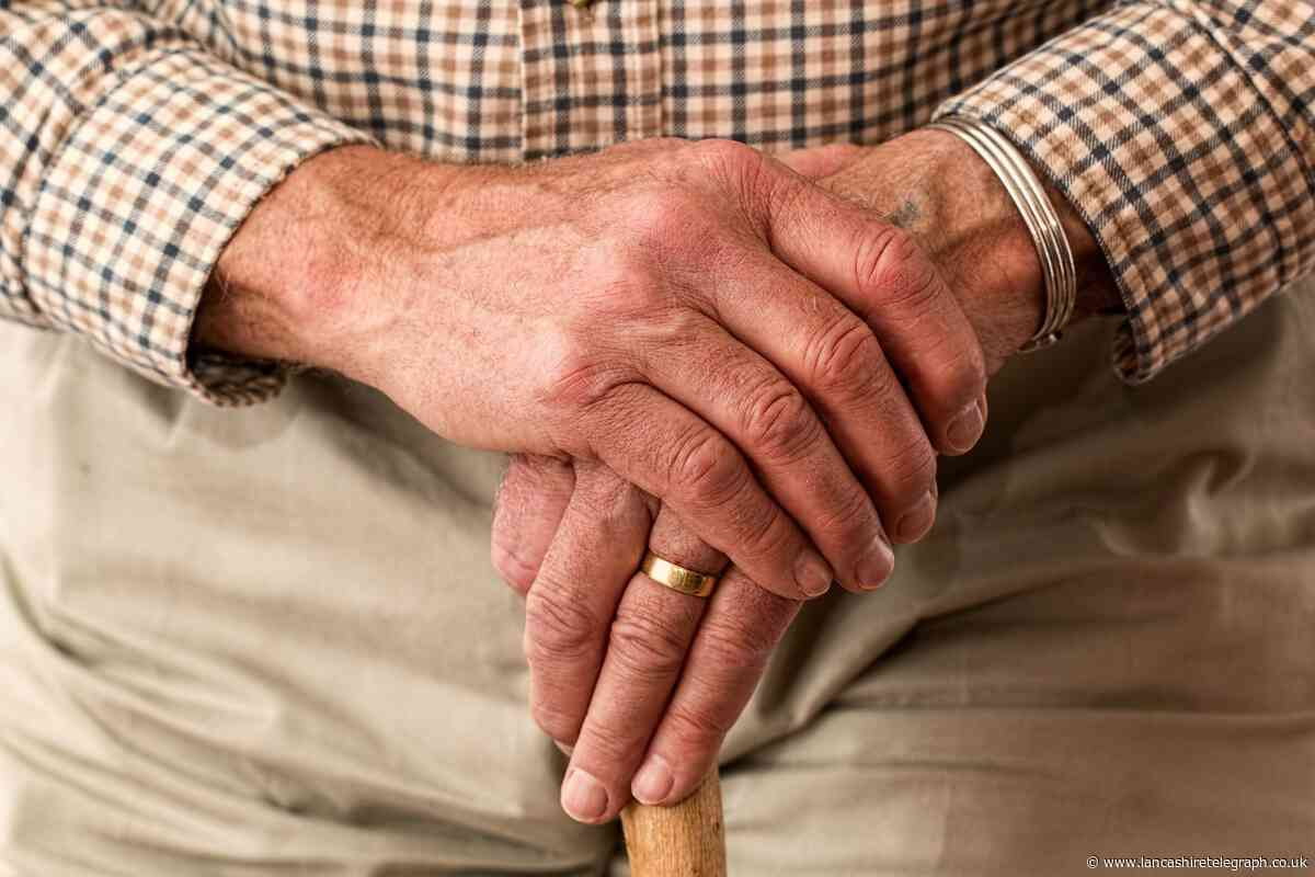 Reach out to elderly people this Christmas