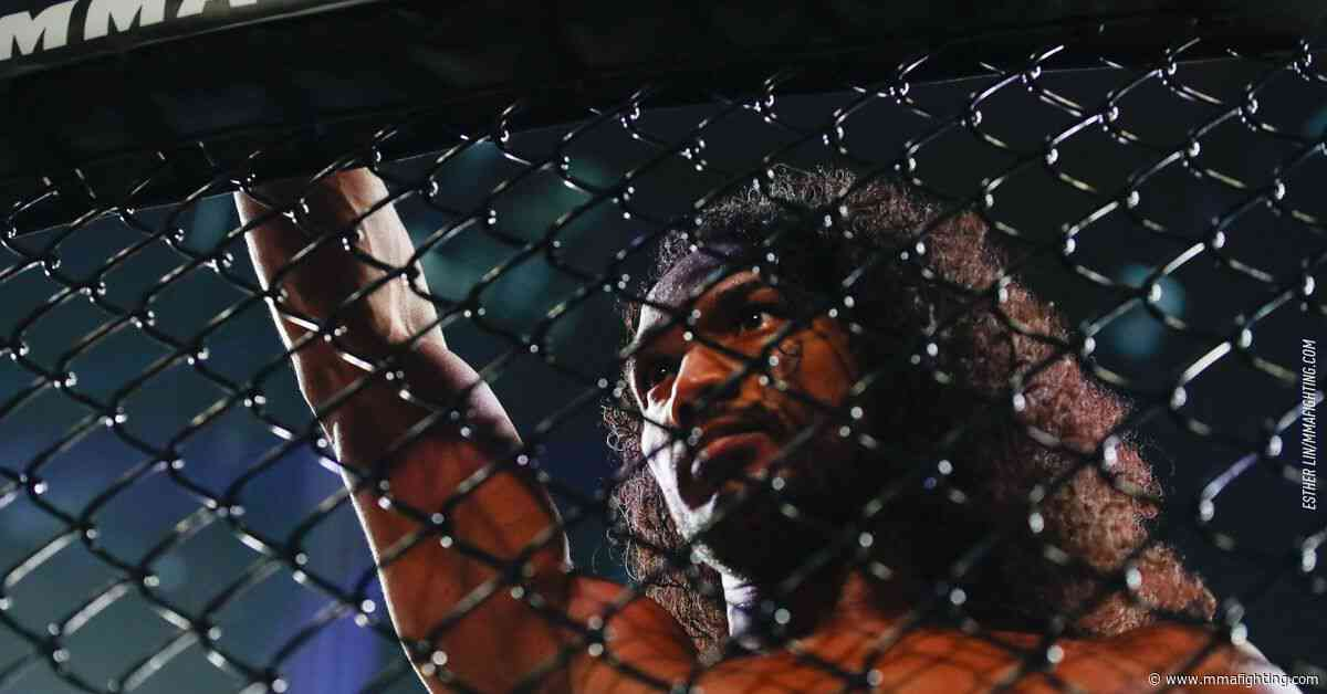 Benson Henderson out of Bellator Japan, Michael Chandler to face Sidney Outlaw