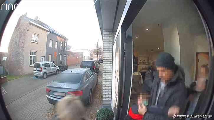 """Politie haalt ontvoerde jongen (9) aan handen en voeten weg bij moeder: """"In België is geen wet die deze situatie regelt"""""""