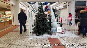 Shoppers slam Accrington Arndale Centre Christmas decorations