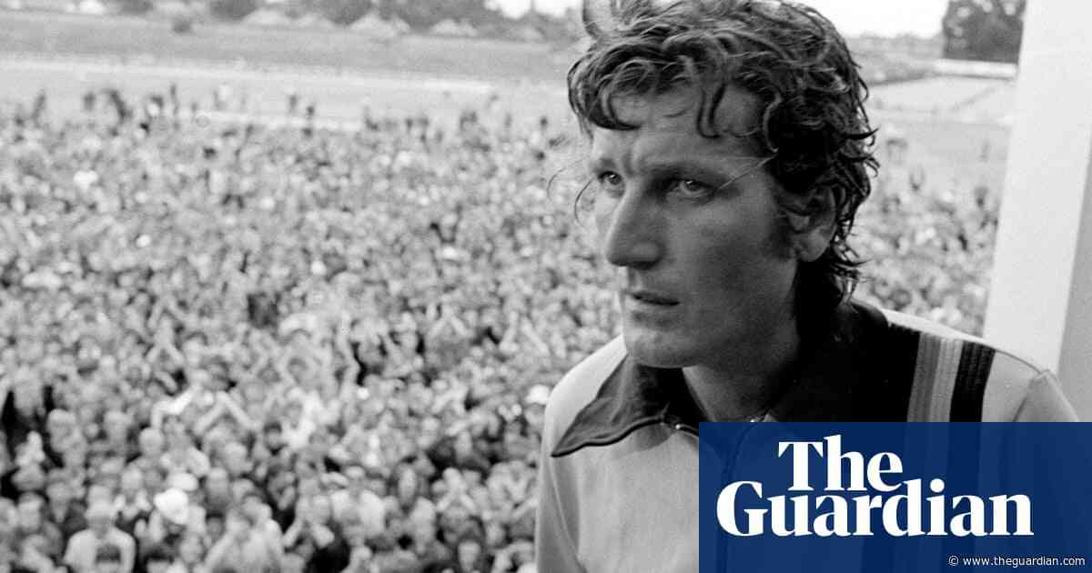 The best of Bob Willis, Manchester derby memories and karting on ice | Classic YouTube