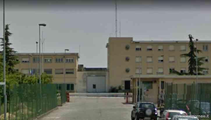 Piacenza, finta rissa per attirare agenti: stranieri ne feriscono quattro