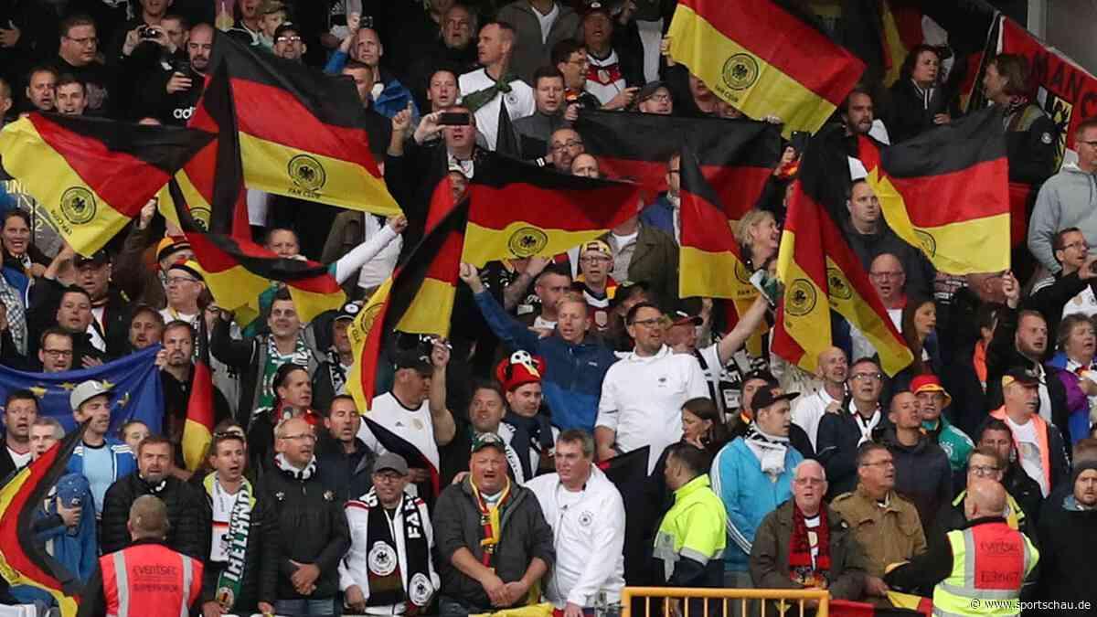 Für bessere Stimmung - Stehplätze bei Fußball-Länderspiel