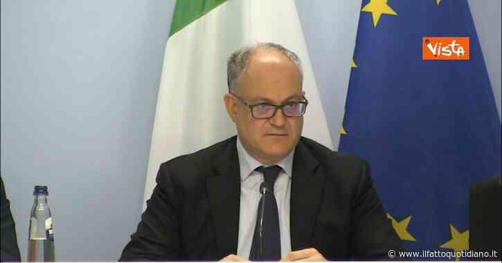 """Lega, Gualtieri: """"Salvini ha alzato le tasse e aumentato il debito pubblico. Uscita dall'euro? Sono degli irresponsabili"""""""