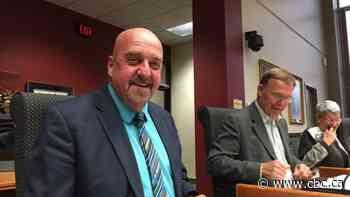 Crown, Keith Hobbs spar in day 13 of former mayor's extortion trial