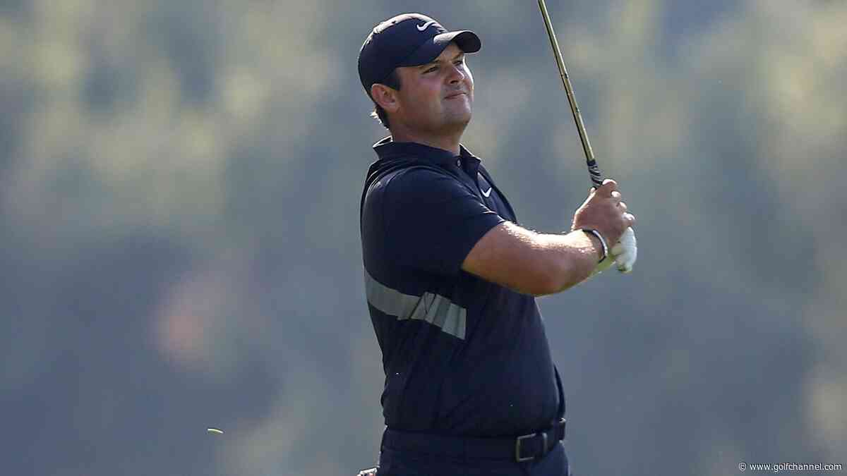 Reed leads Hero by three, as Woods moves into contention