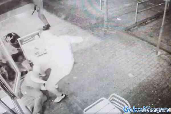 VIDEO: Cafetariamedewerker in gezicht geschopt bij overval