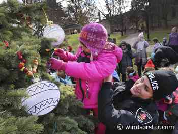 Photos: Students decorate Christmas tree in Sandwich