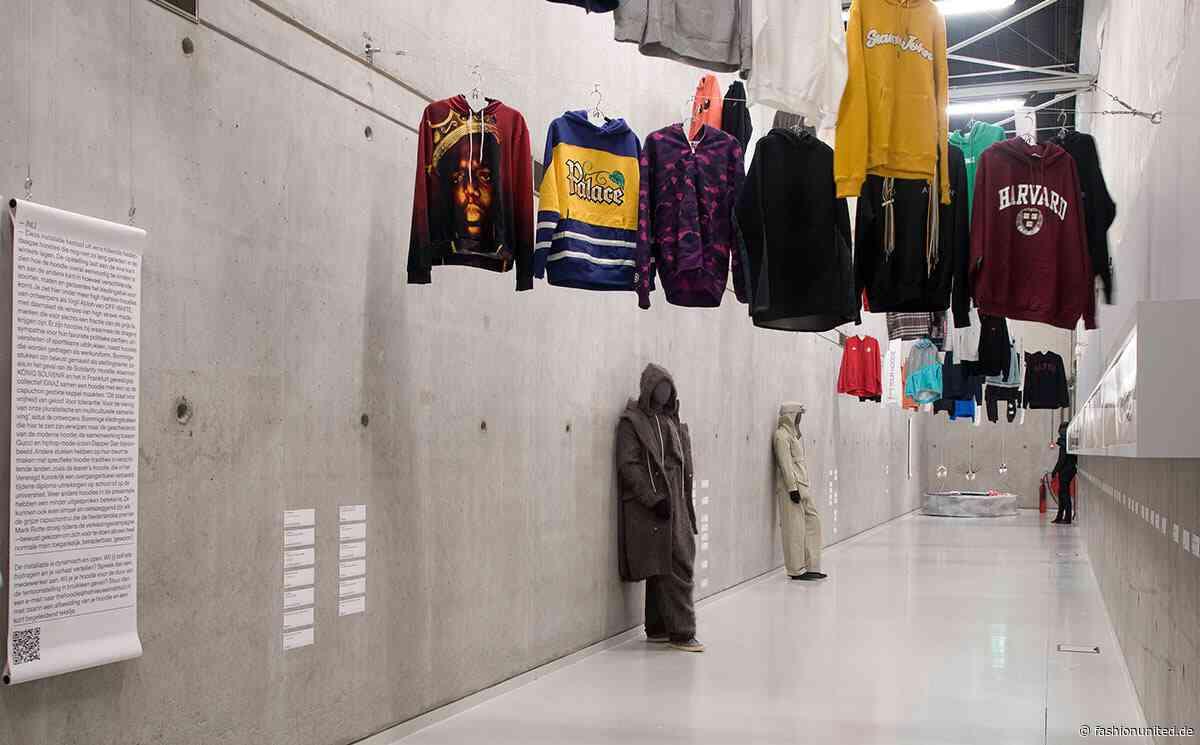 """Ausstellung """"The Hoodie"""" erkundet die Welten rund um das Kleidungsstück"""