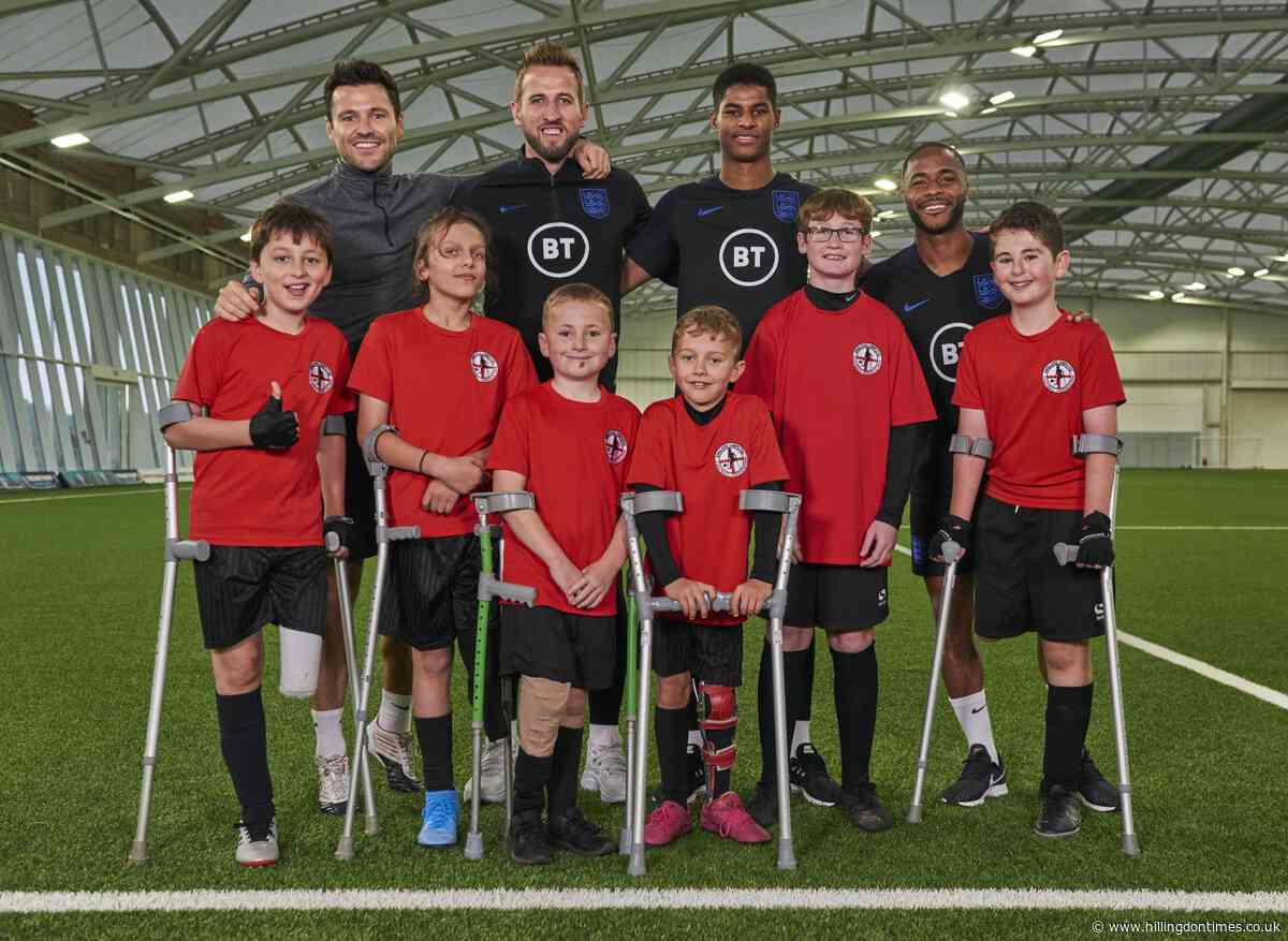 Amputee footballer meets England's Kane, Sterling, and Rashford