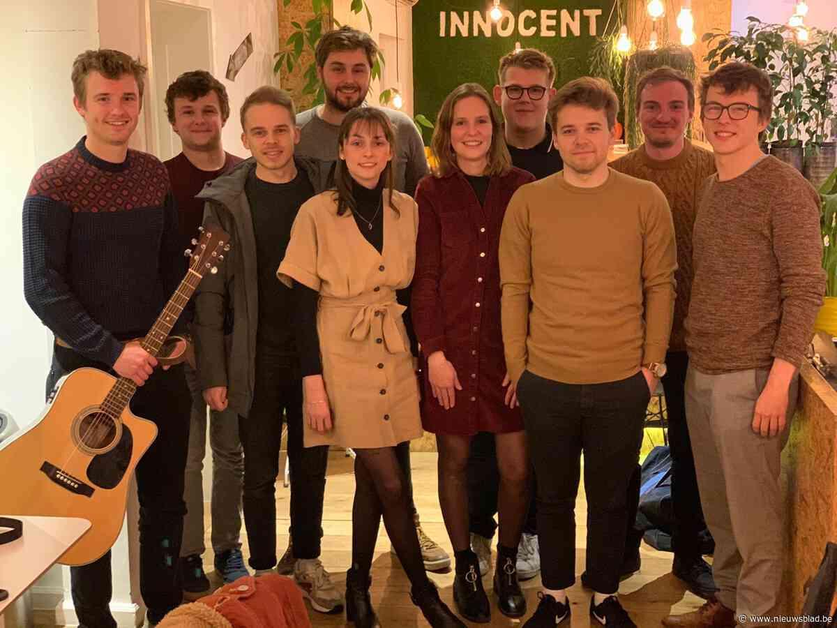 Jong muzikaal talent treedt op in Foodbart