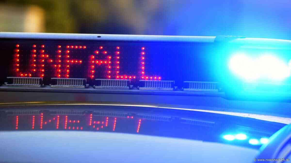 Unfall mit mehreren Fahrzeugen auf der A8 -Fünf Personen verletzt