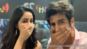 Ananya Panday's 'surprise' in this goofy video with Kartik Aaryan will leave you in splits