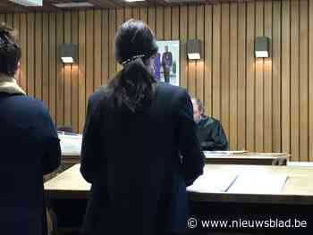 """Rechter tegen beklaagde: """"Objection? U kijkt te veel naar Suits op Netflix"""""""
