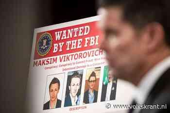 Cybercriminelen rijden vrolijk rond in Moskou met het woord DIEF in hun kenteken