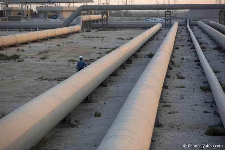 Saudis Make Surprise Oil Cut With Eye on $2 Trillion Aramco