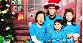 Flight with Santa lets kids be kids