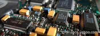 Does NXP Semiconductors N.V.'s (NASDAQ:NXPI) CEO Pay Matter?