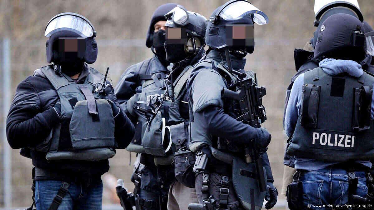 Verzweifelter Anruf: Münchnerin fürchtet sich vor aggressivem Partner - dann rücken Spezialkräfte an