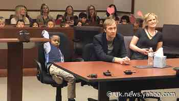 Five-year-old boy brings his whole kindergarten class to adoption hearing