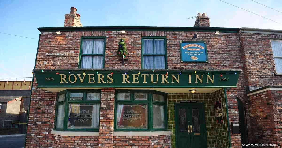 Coronation Street fans thrilled to see much-loved character return
