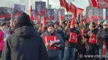 Unifor hosts rally in solidarity with Regina Co-op refinery workers