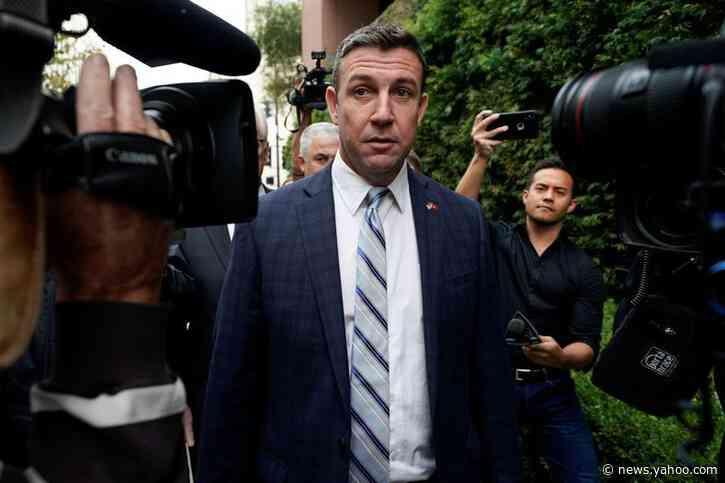 California congressman Hunter will step down after corruption plea