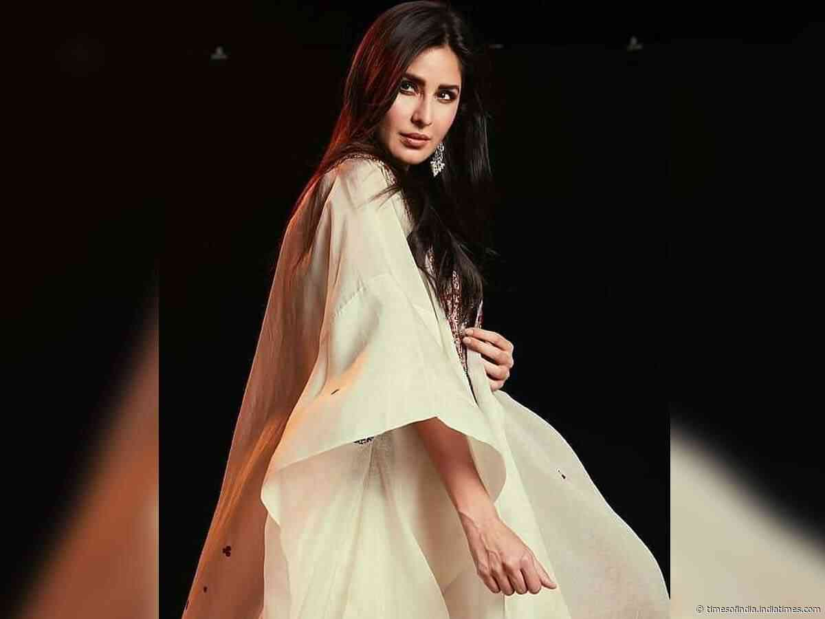 Pics: Kat looks ethereal in traditional outfit