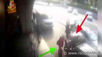 VIDEO | Chiede utilizzo del tassametro e viene picchiato, le immagini dell'aggressione