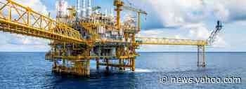 Is Cabot Oil & Gas Corporation (NYSE:COG) Overpaying Its CEO?