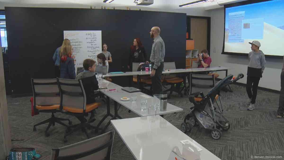 Boulder Teenagers Join Think Tank Workshop To Help Ban Polystyrene & Sing