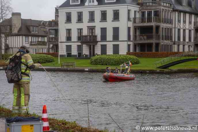 #Breukelen - Getuige redt slachtoffer uit te water geraakt voertuig