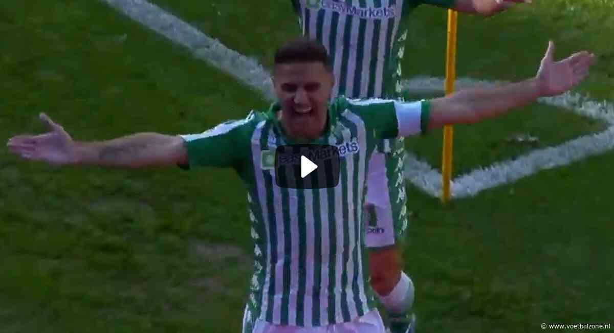 VIDEO - Joaquín Sánchez (38) maakt een hattrick binnen twintig minuten