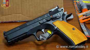 Refurtiva, munizioni ed una pistola semiautomatica in casa: denunciati per ricettazione