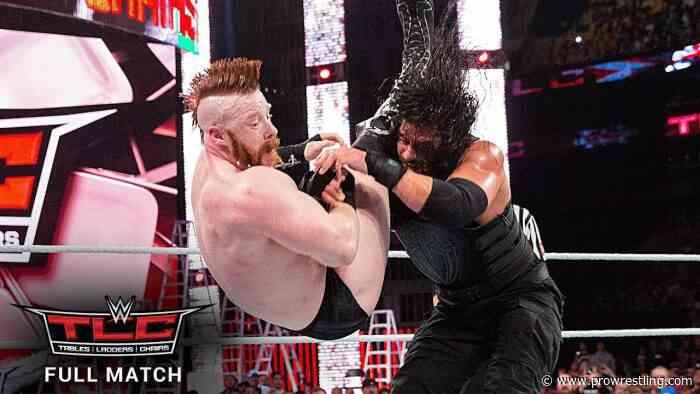 FREE MATCH – Sheamus vs. Roman Reigns WWE World Heavyweight Title TLC Match