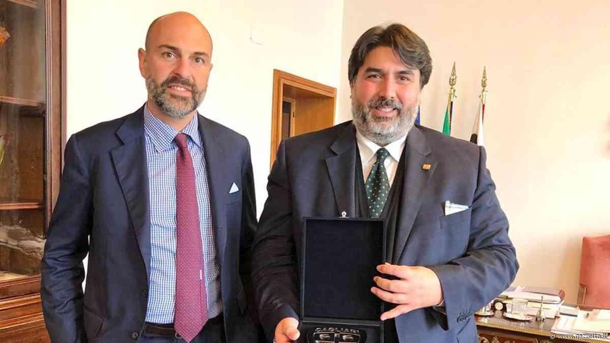 Il Cagliari fa sognare un'isola e Giulini viene premiato in Regione