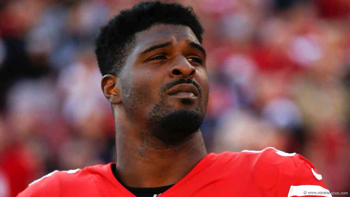 Dee Ford on sidelines