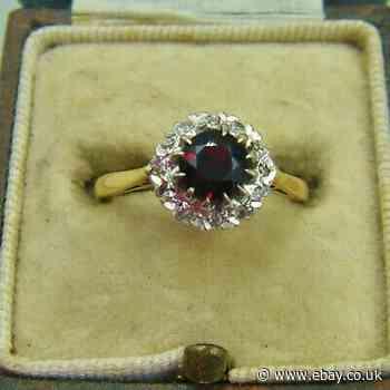 A Lovely Art Deco Style 18ct Gold Red Garnet & Diamond Set Ring.