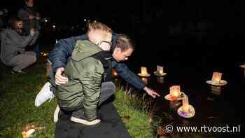 Op verschillende plekken in Overijssel zijn overleden kinderen herdacht tijdens Wereldlichtjesdag