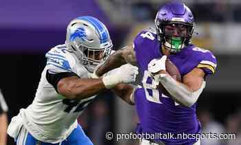 Vikings dominate hapless Lions