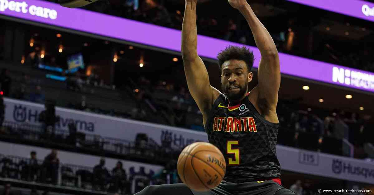 Hawks zoom past Hornets for 122-107 win