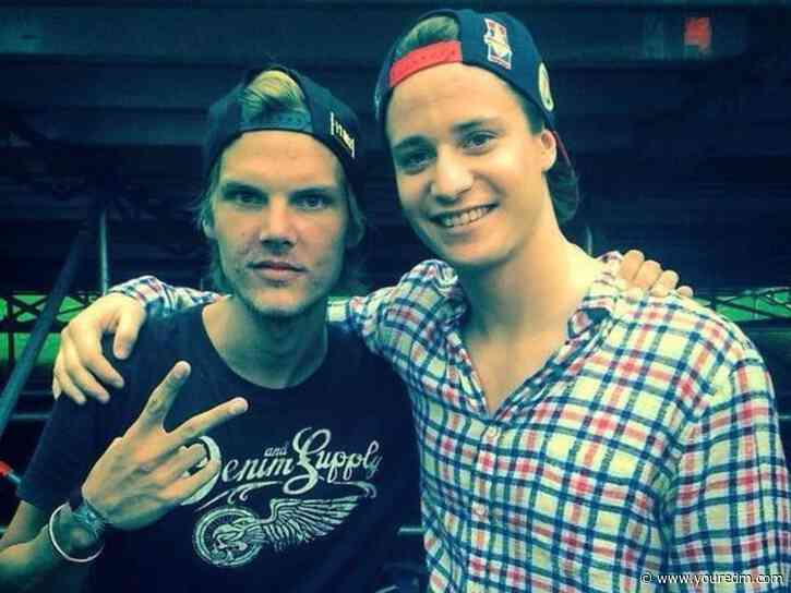 """Kygo Performs Unreleased Avicii Song """"Forever Yours"""" with Sandro Cavazza [WATCH]"""